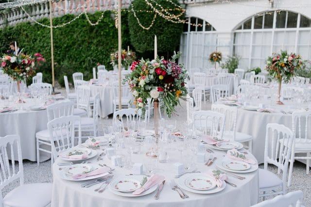 DIner de mariage en exterieur pour une reception sous les etoiles d'occitanie